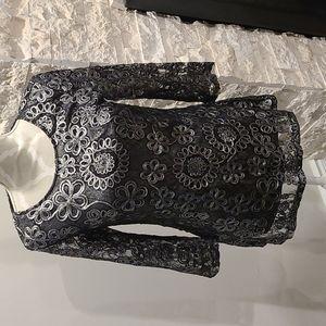 NWT Nina Leonard black & metallic silver tunic blouse